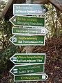 Wegweiser am Kyffhaeuser (Kyffhaeuser-Denkmal 0,3 km).jpg