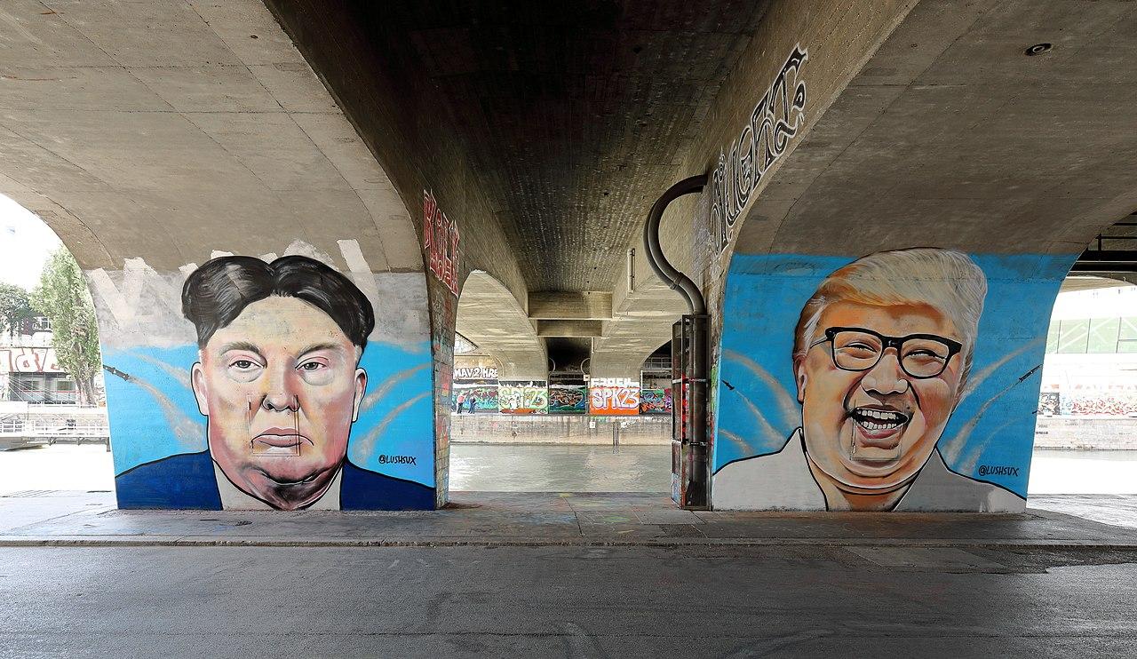 Wien - Donald-Trump- und Kim-Jong-un-Graffiti von Lush Sux.JPG