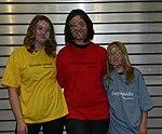 Wikipedia-T-Shirts Wikimedia Deutschland.jpg