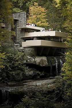 De villa fallingwater for Frank lloyd wright piani casa della prateria