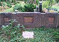 WvBode grave-Mutter Erde fec.jpg