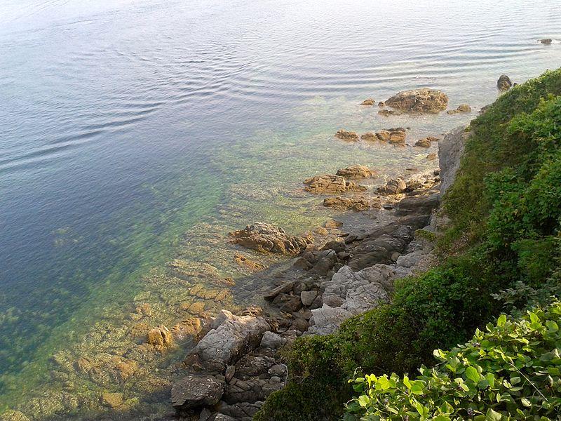Xiaoshuikou %E5%B0%8F%E6%B0%B4%E5%8F%A3 in Xiaochangshan Island, Dalian.jpg