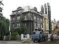 Zanedbaný dům u Báňského úřadu.jpg