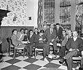 Zestig Turken wachten op werkvergunning hier in hotel te Amsterdam De leider Tu, Bestanddeelnr 915-6564.jpg