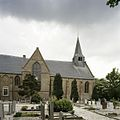 Zicht op de noordgevel met het transept en op de houten dakruiter, kerkhof op de voorgrond - Beets - 20388547 - RCE.jpg