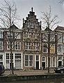 Zicht op voorgevel met boogvelden en pinakels - Delft - 20389932 - RCE.jpg