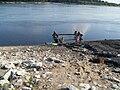 Полоскание белья в реке Вычегде в Сольвычегодске.JPG