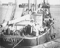 File:Юные моряки (1939) фильм.webm