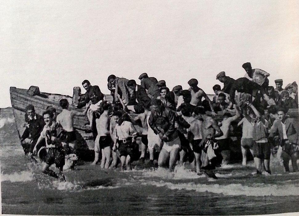מעפילי טייגר היל בחוף תל אביב