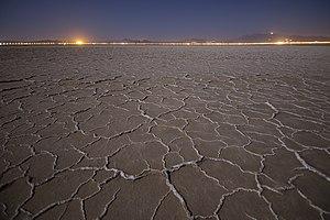 تصاویر دریاچه نمک حوض سلطان در استان قم 16.jpg