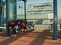 03-08-01-Dagebüll-Mole-beladenes-Reiserad-RalfR-R0014309-02.jpg