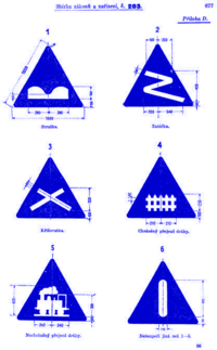 diamond shaped orsigns alert drivers of construction zones.