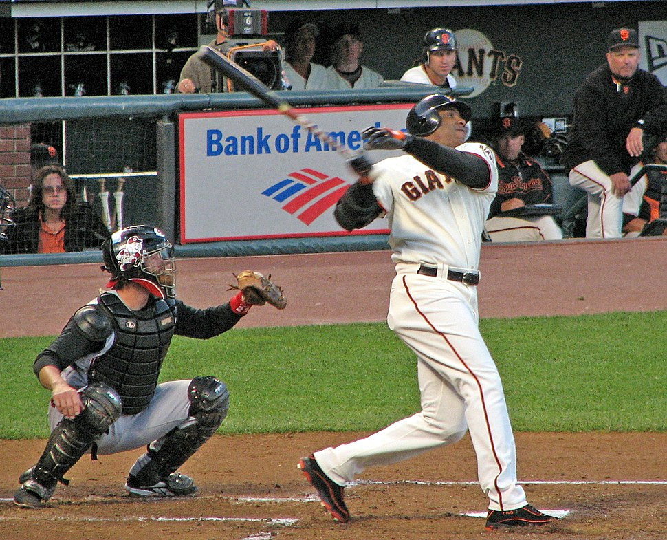 20060825 Barry Bonds follow through