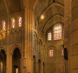 Nièvre - Image: 2012 07 21 20 23 03 3 33 3 49 4 03 4 12 4 23 4 34 PA00112826 La Charité sur Loire Shift N
