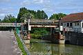 2012 août 0400 Pont-levant sur le canal à Luzy sur Marne.jpg