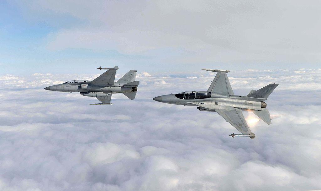 2015.2 공군 소링 이글 훈련 Soaring Eagle of ROK AirForce (16523809650).jpg