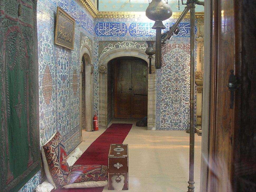 4025 Istanbul - Topkapi - Sbirciando da finestra sala reliquie - Foto G. Dall'Orto 27-5-2006