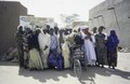 ASC Leiden - van Achterberg Collection - 6 - 037 - Un groupe de vingt femmes, vêtues de robes colorées et de foulards, de la TUNFA - Agadez, Niger - janvier 2005.tif