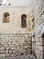 A droite, porte d'accès au donjon du château de Spesbourg.jpg