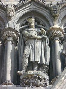 Alexander III statue, West door of St. Giles, Edinburgh.jpg