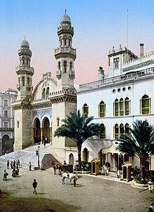 Le Lapin en Afrique dans LAPIN - LIEVRE 220px-Algiers_cathedral_1899
