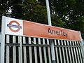 Anerley station signage 2010.JPG