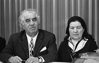 330px-Aram_Khachaturian_and_Nina_Makarova_1971.jpg