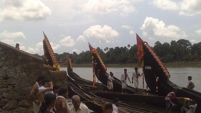 File:Aranmula boat race 1.jpg