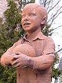 Arnedo - Escultura 'Niño jugando al balón' 2.jpg
