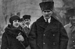 Peace at Home, Peace in the World - Kemal Atatürk and his wife Latife at one of the tours of Anatolia.