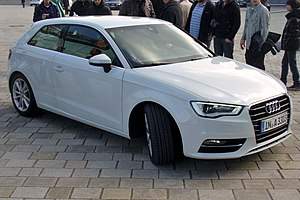 Audi A3 8V Ambition design selection capriorange 2.0 TDI Gletscherweiß.JPG