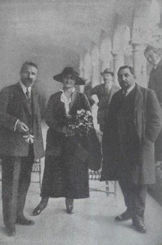 Avetis Aharonian - Image: Avetis Aharonyan second wife Nvard Saint Lazarus Island Venice 1920