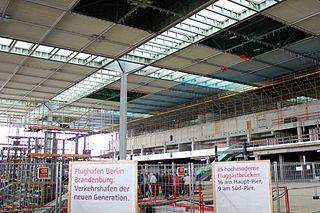 ghafen Berlin Brandenburg - Innenansicht des im Bau befindlichen Terminals Juni 2011 (Bild: Boris Motel)