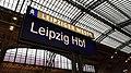 Bahnhofsschild Leipzig Hbf 190317.jpg