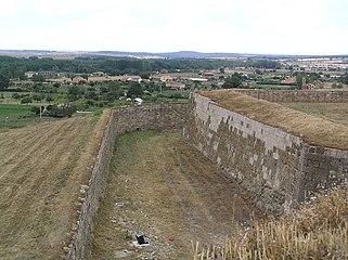 Baluarte de las murallas de Ciudad Rodrigo (tramo suroeste).jpg