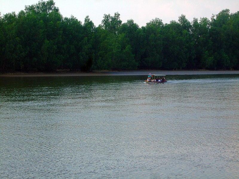 File:Bang Pakong River - May 2010 - 03.jpg