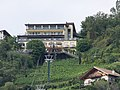 Bergstation Sessellift Dorf Tirol.jpg