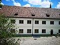 Blick aus Eisenbibliothek auf das Klostergut.jpg
