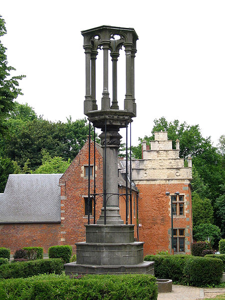 Braine-le-Château (Belgium), the pillory and the Bailli House.