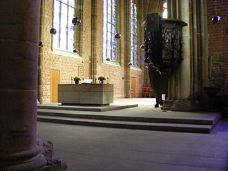 Church of Our Lady (Bremen) - The moderate altar fits the principles of Reformed churches