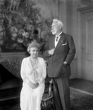 Huis Doorn - Hermine Reuss of Greiz and Wilhelm II at Huis Doorn in 1933