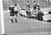 Bundesarchiv Bild 183-1989-0503-032, BFC Dynamo - Dynamo Dresden 1-1