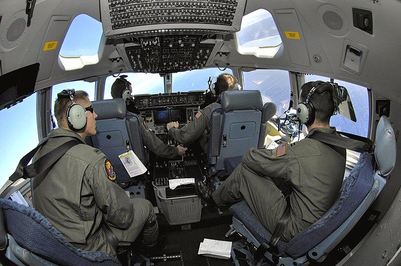 File:C-17 cockpit 2007-01-19.jpg