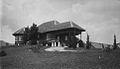COLLECTIE TROPENMUSEUM Huis Guntzel en Schumacher Brastagi TMnr 60021799.jpg