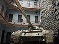 Carro armato nel Museo Casa del Terrore - panoramio.jpg
