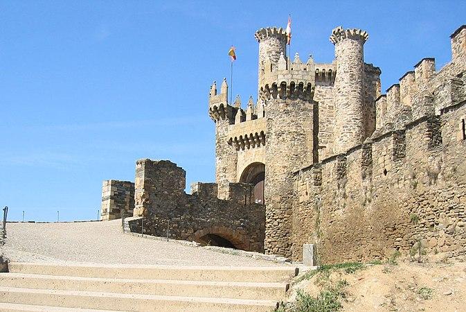 Castillo ponferrada 2005.jpg