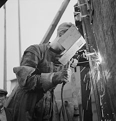 Cecil Beaton Photographs- Tyneside Shipyards, England, 1943 DB191.jpg