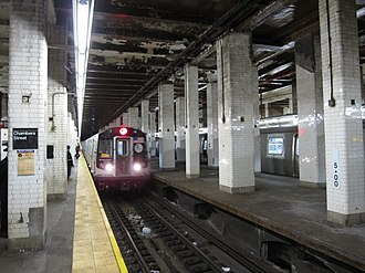 Dual Contracts - The large Chambers Street station was the BMT's Manhattan hub.