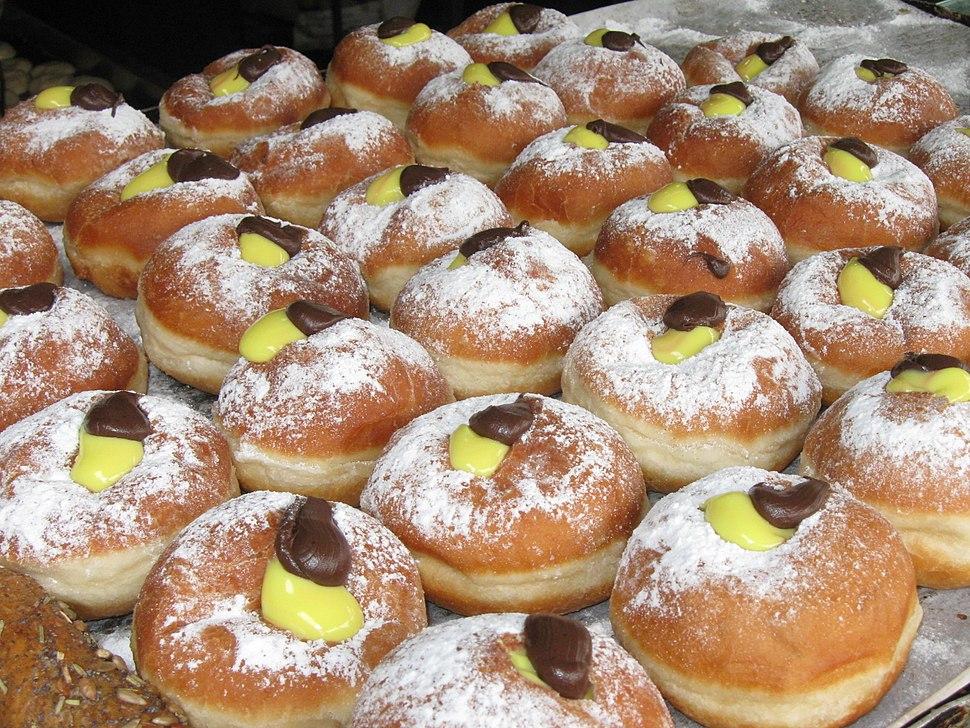 Chocolate-vanilla cream sufganiyot