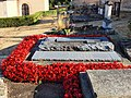 Conflans-sur-Loing-FR-45-cimetière-sépulture Massu-01.jpg